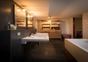 Rozenstraat 200-A, Amsterdam, Noord-Holland Nederland, 3 Bedrooms Bedrooms, ,1 BathroomBathrooms,Apartment,For Rent,Rozenstraat,1220