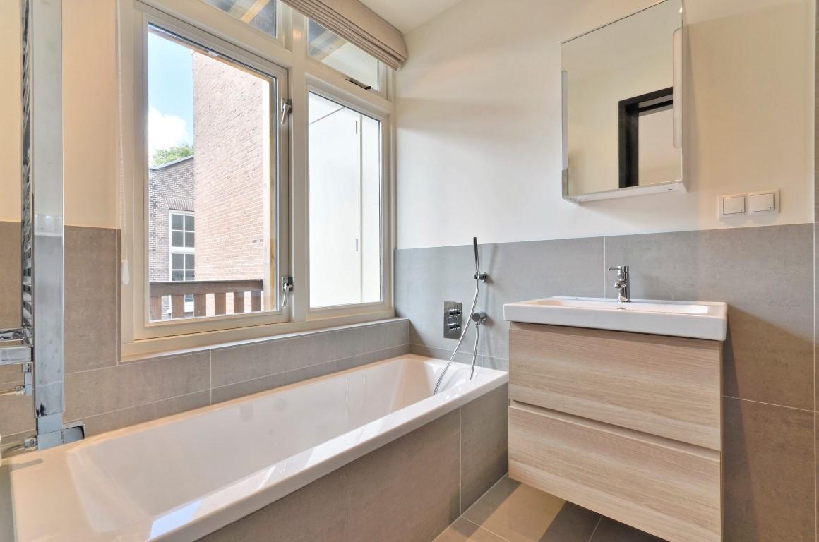 Prinsengracht 246-II Amsterdam,Noord-Holland Nederland,1 Slaapkamer Slaapkamers,1 BadkamerBadkamers,Appartement,Prinsengracht,2,1041