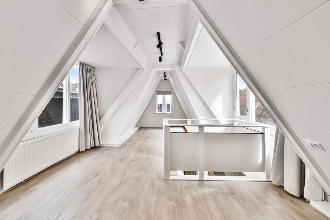Nieuwezijds Kolk 12 III 1012 PV, Amsterdam, Noord-Holland Nederland, 1 Bedroom Bedrooms, ,1 BathroomBathrooms,Apartment,For Rent,Nieuwezijds Kolk,3,1441
