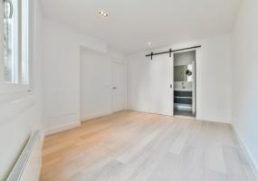 Van Eeghenstraat 61, Amsterdam, Noord-Holland Nederland, 4 Bedrooms Bedrooms, ,3 BathroomsBathrooms,Apartment,For Rent,Van Eeghenstraat 61,1446